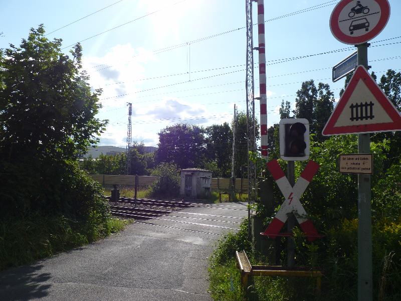 Bahnübergang Eisenbahnweg-2